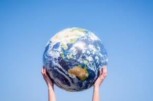 地球を持ち上げる